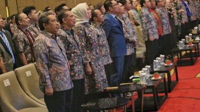 Gubernur Jawa Barat, Ridwan Kamil yakin dalam bidang manufaktur dan keindahan pariwisata dapat mendorong perekonomian Jabar.