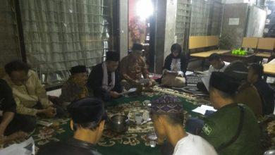 Sholaat Imam A. Bushiri di adakan secara sederhana di rumah H. Erwin SE, hanya dalam lingkungan keluarga