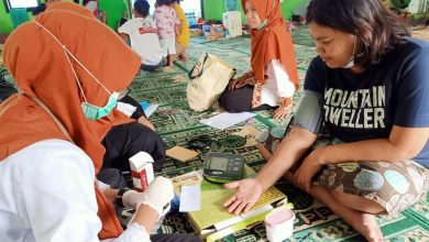 Kecamatan Bandung Wetan menyelenggarakan pemeriksaan kesehatan dan sosialisasi pencegahan Covid-19 atau virus corona kepada warga RW 11 Kelurahan Tamansari