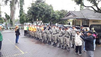 Apel persiapan penertiban PKL di wilayah Metro Margahayu Raya dan Jl. Inspeksi Cidurian untuk menghindari penyebaran Covid 19