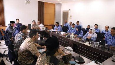 Raker ini dihadiri oleh Anggota Dewan Komisi D DPRD Kota Bandung, Dinas Pendidikan, Dinas Kesehatan, TPAD, Bappelitbang, BPKA, RSHS, RSKIA dan RSGM.