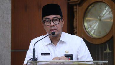 Kepala Inspektorat Kota Bandung, Fajar Kurniawan menuturkan di penghujung 2019 lalu skor PMPRB Kota Bandung menjadi 70,01 dari sebelumnya berada di angka 68,99 pada 2018 silam.
