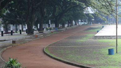 Warga Kota Bandung semakin membatasi interaksinya di ruang publik.