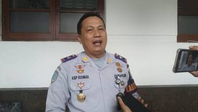 Dinas perhubungan (Dishub) Kota Bandung dan Satuan Lalu Lintas Polrestabes Bandung menutup sementara empat jalan mulai Minggu (29/3/2020)