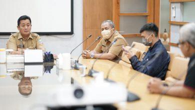 Pemerintah Kota (Pemkot) Bandung telah menerbitkan surat edaran yang mengimbau agar tempat hiburan menghentikan aktivitasnya mulai 23–31 Maret 2020