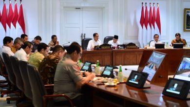 Presiden Joko Widodo bersama jajaran terkait membahas Kerangka Ekonomi Makro dan Pokok-Pokok Kebijakan Fiskal (KEM PPKF) Tahun 2021