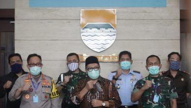 Wali Kota Bandung, Oded M. Danial selaku Ketua Gugus Tugas Percepatan Penanganan Covid-19 menyatakan, Kota Bandung belum akan memberlakukan Pembatasan Sosial Berskala Besar (PSBB). Oded menilai, hal tersebut harus berkoordinasi dengan Gubernur Jawa Barat.