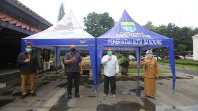 Wali Kota Bandung, Oded M. Danial menerima langsung tenda tersebut dari Operasional Yamaha Direct Distribution System (DDS) 2 Jawa Barat