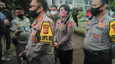 Kegiatan Dapur Umum Polrestabes Bandung berlangsung di Markas Polsek Sukasari
