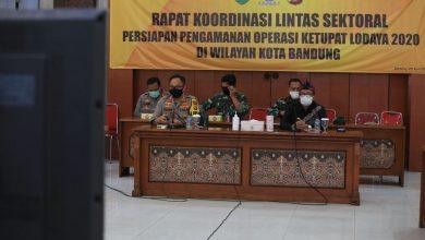 Pemerintah Kota Bandung resmi melarang sepeda motor membawa penumpang selama Pembatasan Sosial Berskala Besar (PSBB).