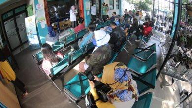 Pemerintah Kota (Pemkot) Bandung memastikan seluruh Pusat Kesehatan Masyarakat (Puskesmas) tetap melayani kesehatan dasar masyarakat. Termasuk juga Puskesmas Ibrahim Adjie yang siap menangani pasien Covid-19