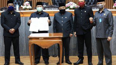 """Alhamdulilah selesai tinggal implementasi di lapangan,"""" ujar Oded M. Danial usai Rapat Paripurna Pengambilan Keputusan terhadap Raperda tentang Perubahan APBD tahun anggaran 2020 di Gedung DPRD Kota Bandung"""