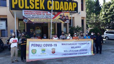 Sinegritas Pendistribusian Bansos bersama Polsek Cidadap dan Warga Tionghoa Kelurahan Ledeng Kecamatan Cidadap Peduli Dampak Covid-19