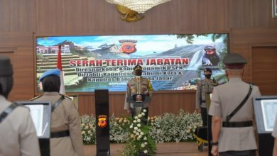 Kapolda Jabar Irjen. Pol. Drs. Rudy Sufahriadi, Rabu (27/5/2020) memimpin Upacara Sertijab 4 (empat) pejabat utama dan 2 (dua) Kapolres jajaran Polda Jabar