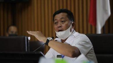 """Ketua Harian Gugus Tugas Covid-19 Kota Bandung, Ema Sumarna memastikan masih mengaji pelaksanaan """"new normal""""."""