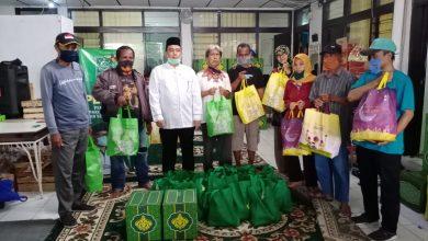 Ketua DPC PKB Kota Bandung H Erwin SE yang merasakan peduli pada warganya, terutama yang terdampak covid-19.