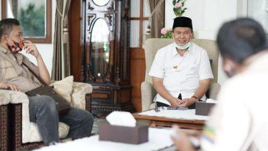 Wali Kota Bandung, Oded M. Danial mengaku sangat berterima kasih kepada para ketua RW yang selama masa pandemi Covid-19 ini menjadi garda terdepan di masyarakat