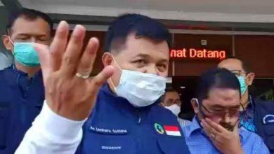 Bupati Kabupaten Bandung Barat (KBB), Aa Umbara Sutisna mempertanyakan tanggungjawab Gugus Tugas Pananganan Covid-19 Pemerintah Provinsi (Pemprov) Jawa Barat (Jabar) terhadap warganya yang menjalani karantina mikro