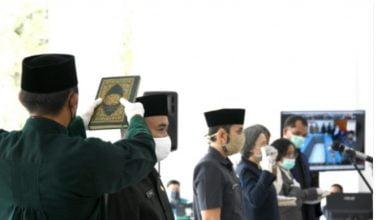 Gubernur Jawa Barat Ridwan Kamil secara resmi melantik 572 Kepala Sekolah secara virtual di Gedung Pakuan, Kota Bandung, Jum'at (10/7/20).