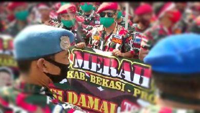 aksi damai LSM LMP di area Monumen Perjuangan Rakyat Jawa Barat. Jalan Dipatiukur, Bandung. Jumat (17/07/20).