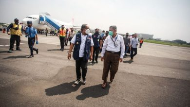 Wakil Wali Kota Bandung, Yana Mulyana saat menghadiri Acara Inagurasi First Flight Pesawat Type Jet PT Lion Grup di Bandara Husein Sastranegara, Bandung