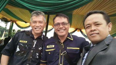 Sekretaris AMPI, H. Dadang Risdal Aziz, bersama Ketua AMPI, Nandang Rucita, dan Uwen